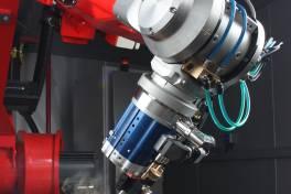Laserschweißen mit neuem Roboter