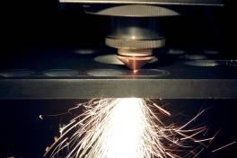 Hochleistungs-Faserlaser zur Bearbeitung von Metallblechen