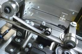 Mittels Faserlaser und Doppel-Optik verbinden