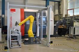 Emco steuert Lade-Roboter gleich mit
