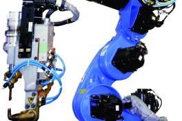 Schweißroboter Motoman VS100: Mit sieben Achsen auf engstem Raum