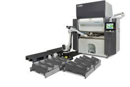 Produktiv und zuverlässig – die Roboterbiegezelle Dyna-Cell und die Abkantpresse ToolCell XT