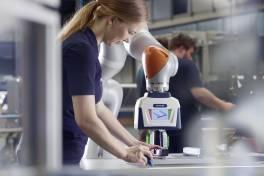 Smart Gripping in Smart Factories