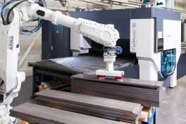 Vision-Roboter übernimmt Teilehandling
