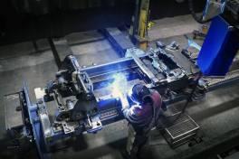 Stromquellen und Roboter aus einer Hand