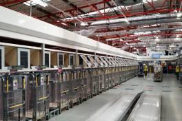Kompakte Sortieranlage für Paketansturm mit Stoßdämpfern gewappnet