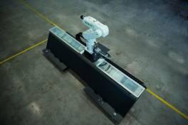 Ein Hiwin Roboter auf Achse