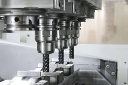 Vierspindler pusht Werkstoffprüfung