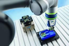 Plug & Work-Greifsysteme jetzt auch für Cobots von Omron und Fanuc