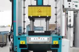 TOX-4-Säulen-Presse: Rebenbinden leicht gemacht