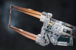 Fexibel anpassbare Roboterschweißzange