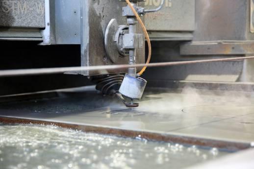 Wasserstrahlschneiden für Genussmomente im Freien