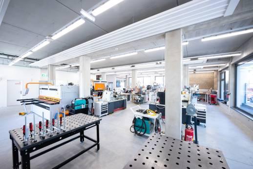 Meisterschmiede der Metallinnung Wien setzt auf Maschinen von Elmag
