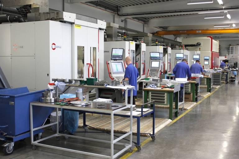 Hermle Maschinenpark bei der EV Group