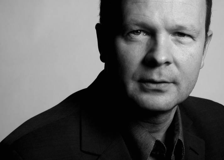Georg Michael Hofbauer betreut seit der Gründung des PR-Büros gmh hofbauer mit Sitz in Linz/Leonding langfristig Unternehmen und begleitet diese bei ihrem öffentlichkeitswirksamen Auftritt. Messebeteiligungen und erfolgreiche Pressegespräche zwischen Berlin, Düsseldorf und Bratislava zeugen davon. Auch die Zusammenarbeit mit den Medien in der Region des Unternehmens sind dem PR-Mann mit 30-jähriger Medienerfahrung ein Anliegen.