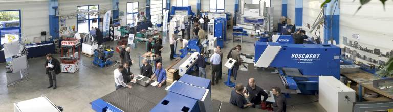 Der Boschert-Showroom in Lörrach mit einer Auswahl an Blechbearbeitungsmaschinen