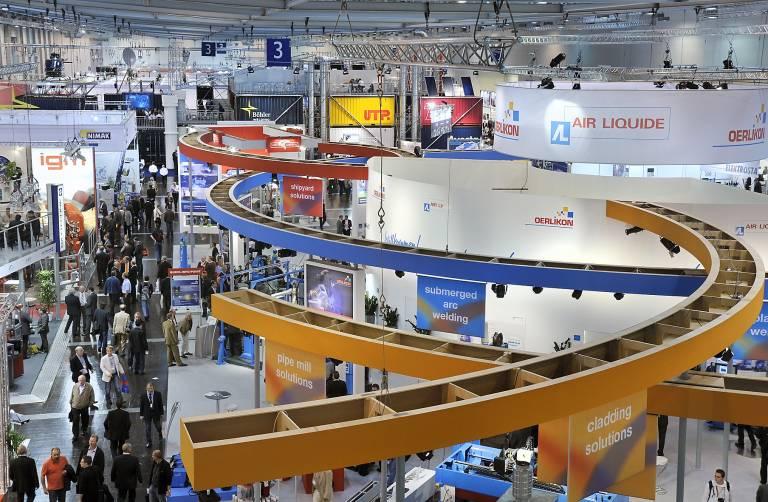 Zwölf Gemeinschaftsstände, internationale Kongresse und Wettbewerbe sind Merkmale der Weltleitmesse SCHWEISSEN & SCHNEIDEN.
