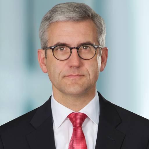 Ulrich Spiesshofer wird die Nachfolge von Joe Hogan im Rahmen eines geordneten Übergabeprozesses am 15. September 2013 antreten.