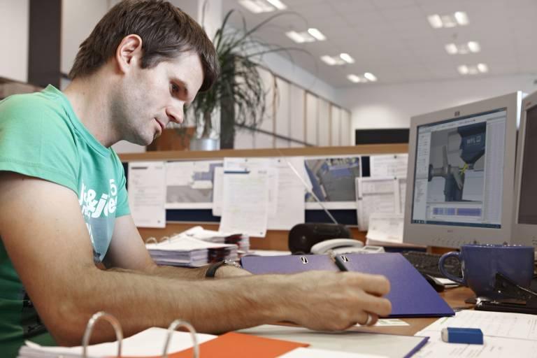 """Programmieren leicht gemacht: Die Simulationssoftware CrashGuard Studio steht ab sofort mit dem komfortablen Programmiereditor """"Millturn PRO"""" zur Verfügung."""
