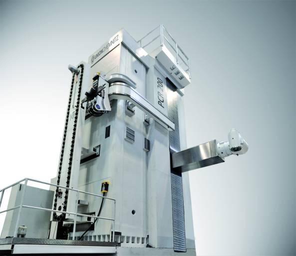Gleichzeitig stellt UnionChemnitz auf der EMO die Horizontal-Bohr- und Fräsmaschine PCR 200 für die effiziente Bearbeitung großer, schwerer Werkstücke von bis zu 10 Meter Höhe und bis zu 40 Meter Länge sowie Werkstückgewichten von 250 Tonnen aus.