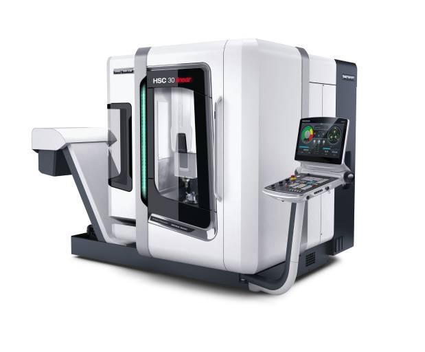 """Die HSC 30 linear im neuem Design von DMG MORI mit CELOS, 21,5"""" ERGOline® und Operate 4.5 auf Siemens 840D solutionline."""