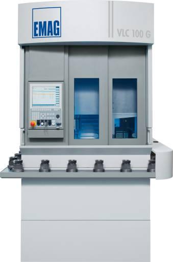 Speziell für die Produktion kleiner Futterteile hat EMAG das vertikale Schleifzentrum VLC 100 G entwickelt.