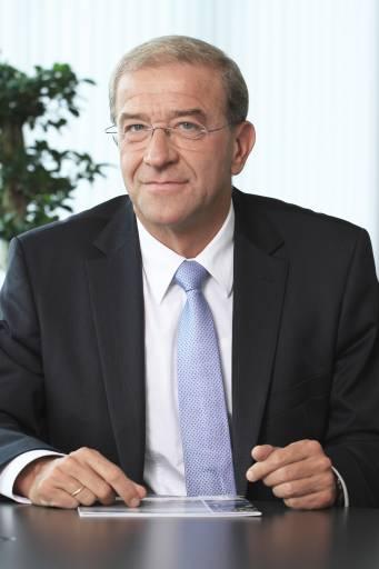 Industry Head Dr. Kurt Hofstädter wird zusätzlich die Leitung der Division Industry Automation übernehmen.