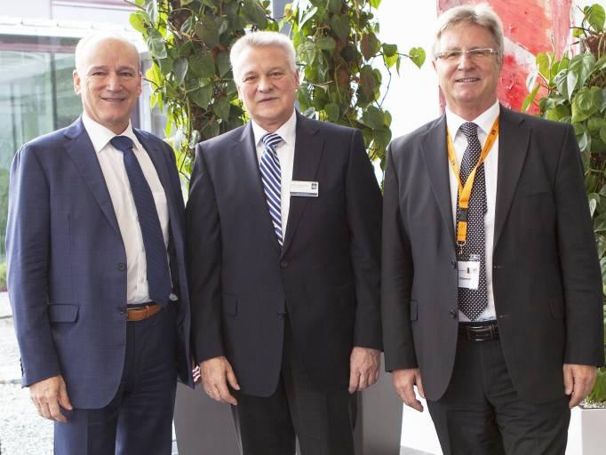 V.  l.: B&R-General Manager Peter Gucher, Verbandsvorsitzender Prof. Jürgen Kletti und B&R Vertriebsleiter Österreich Hermann Obermair.