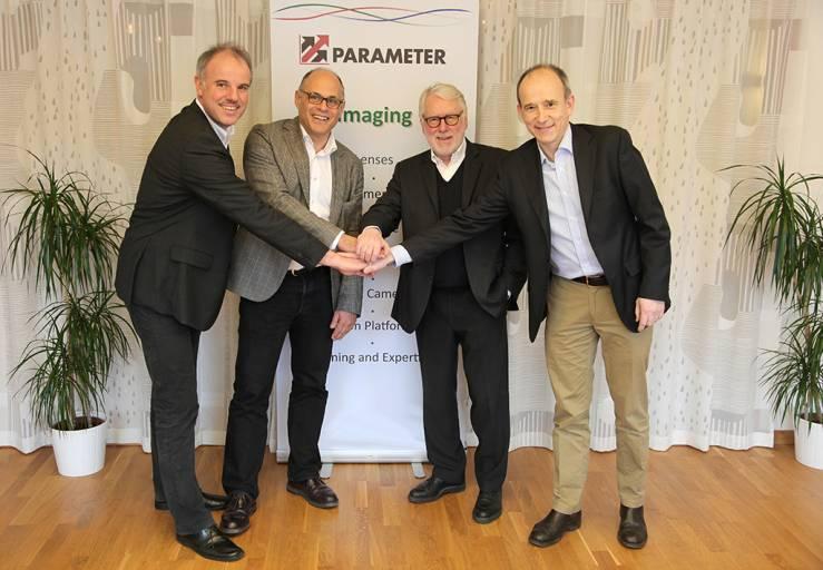Christof Zollitsch, Michael Cohn, Wilhelm Stemmer und Peter Trollsås (von links nach rechts) nach der Vertragsunterzeichnung.