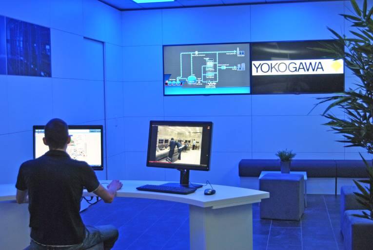 Das Experience Center bietet optimale Präsentationsmöglichkeiten für Yokogawa-Produkte. Teil der Einrichtung bildet eine vollwertige Leitwarte.