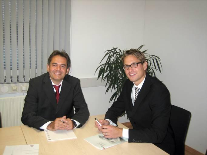 V. l.: Thomas Schwaiger, Geschäftsführer von CAMOZZI Austria und Rainer Suitner, Marketingleiter von CAMOZZI Austria.