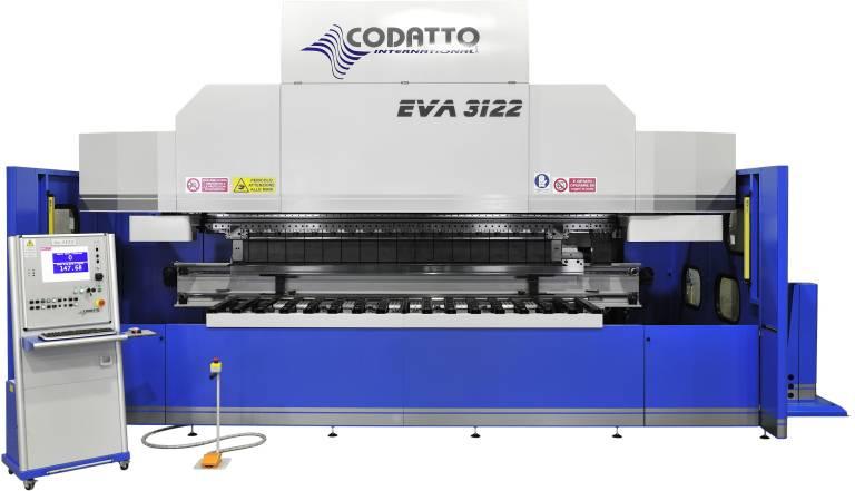 Die Schwenkbiegemaschinen von Codatto ergänzen die TruBend Abkantpressen von Trumpf auf ideale Weise.