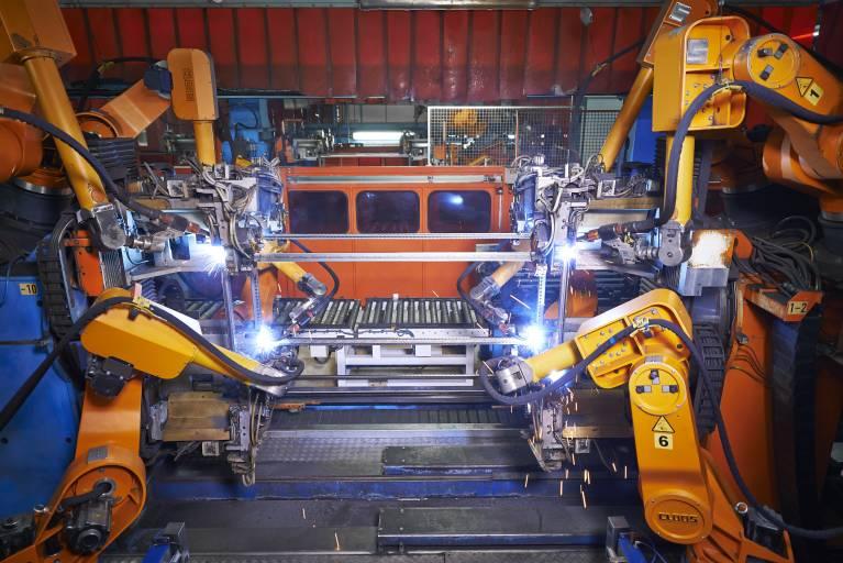 Die verkettete Anlage besteht aus insgesamt 15 Robotern und ist von enormer Bedeutung für die gesamte Fertigung.