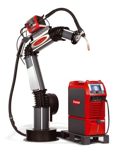 Die Komponenten der Roboterschweißlösung TPS/i Robotics sind mit Intelligenz ausgestattet und untereinander so gut vernetzt, dass Fehleinstellungen oder andere Probleme rechtzeitig erkannt und der Anwender benachrichtigt werden kann.
