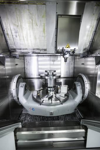 Die Hermle C 42 U MT dynamic mit voll integrierter Drehbearbeitungs-Funktion für die Komplettfertigung.