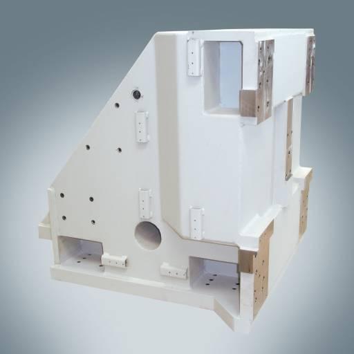 Hydropol-Light® und Hydropol-Superlight® sind ausgestattet mit Eigenschaften wie einem besonderen Dämpfungsverhalten – hier im Bild ein Ständer für eine Vertikaldrehmaschine.
