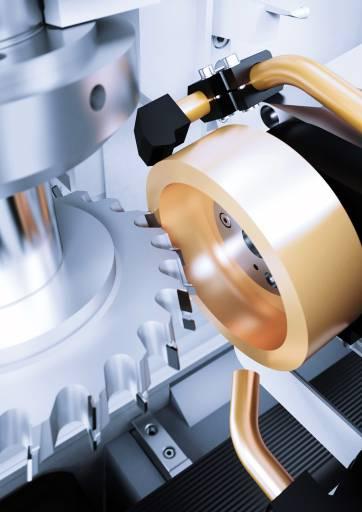 Der Erodiergenerator Vpulse EDM gibt in der Vollmer Erodiermaschine QXD 250 den Takt an – bis zu 30 Prozent schneller und in höherer Oberflächengüte.