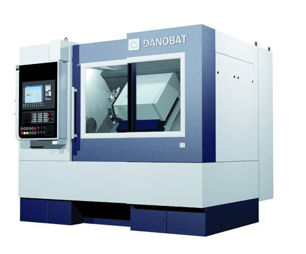 Danobat präsentiert die neue LT-400 Hochgenauigkeits-Drehmaschine in Stuttgart als Messe-Highlight.