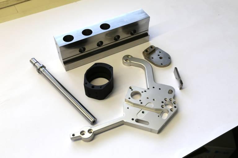 Höchste Präzision steht bei Huber Maschinenbau im Vordergrund. Hier ein Auszug aus dem Teilespektrum.