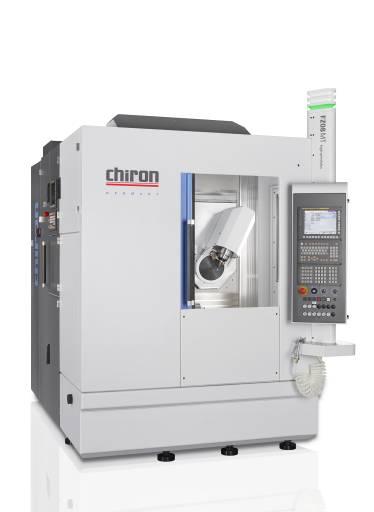 Der modulare Aufbau der FZ08 MT ermöglicht die kundenspezifische Konfiguration für den vielfältigen Einsatz in zahlreichen Branchen. Das MT-Fertigungszentrum ist mit dem neuen Chiron Schwenkkopf mit Torqueantrieb für hohe Präzision und Oberflächengenauigkeit ausgestattet.