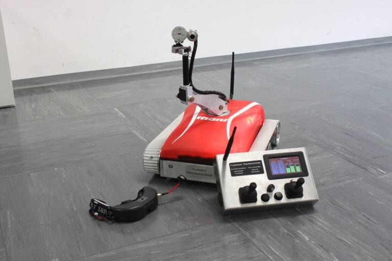 Das Siegerprojekt: Ein Telepräsenzroboter, der kameraüberwacht und ferngesteuert gefährliches Terrain erkunden kann.
