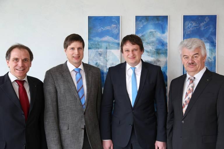 V. l.: Prof. Dr.-Ing. Martin Sellen, Dr. Thomas Wisspeintner, Dr. Alexander Wisspeintner und Johann Salzberger.