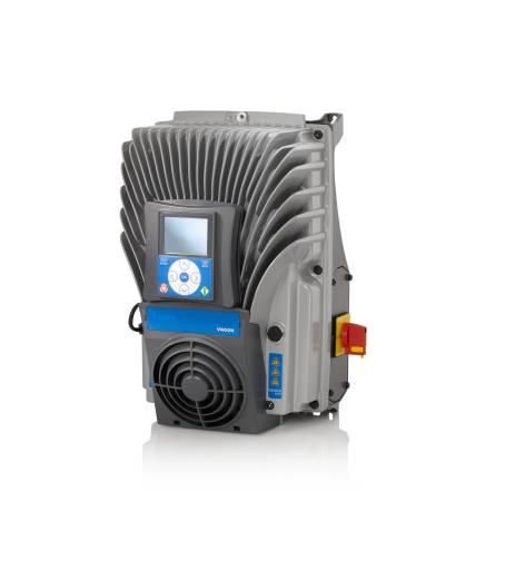 Das robuste Metallgehäuse des Frequenzumrichters VACON 100 X ermöglicht den absoluten Schutz vor mechanischen Einwirkungen und den uneingeschränkten Einsatz in rauen Umgebungsbedingungen. Foto: Vacon