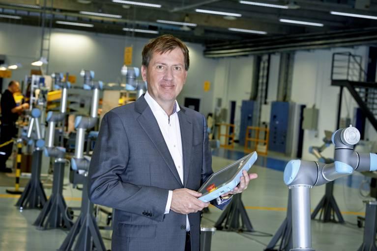 """""""Teradyne wird zur Beschleunigung des Wachstums unserer kollaborierenden Roboter in neuen und bestehenden Märkten beitragen – insbesondere in Asien, wo Teradyne eine sehr starke Position hat"""", ist von Enrico Krog Iversen, CEO von Universal Robots zu hören."""