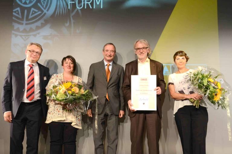 Geschäftsführer Gerhard Lengauer mit Gattin Veronika, Bundeswirtschaftskammer-Präsident Christoph Leitl, Michael Schinko mit Gattin Elfriede (von links).