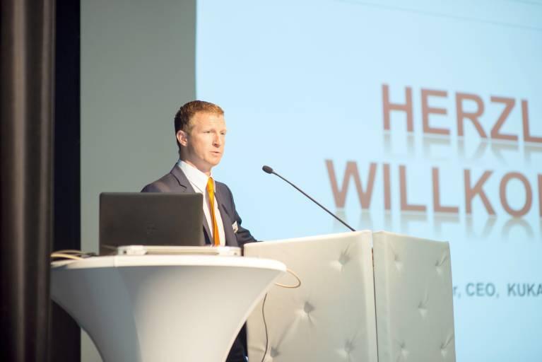 Erich Schober bei der Eröffnung der vierten Ausgabe der KUKA Ideenaustausch Event-Reihe.
