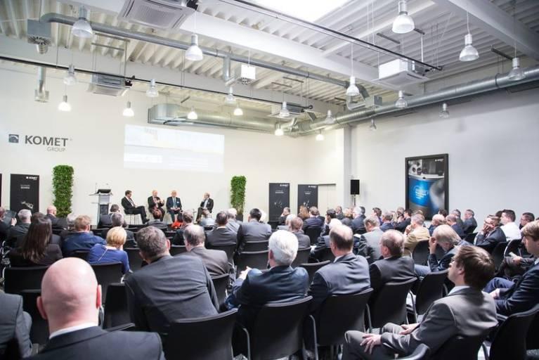Im Fokus der eintägigen Veranstaltung in der IDEEN-FABRIK+ in Besigheim standen sieben Expertenvorträge aus den Bereichen Wirtschaft, Wissenschaft, Technik und Politik. (Bildquelle: KOMET GROUP GmbH)