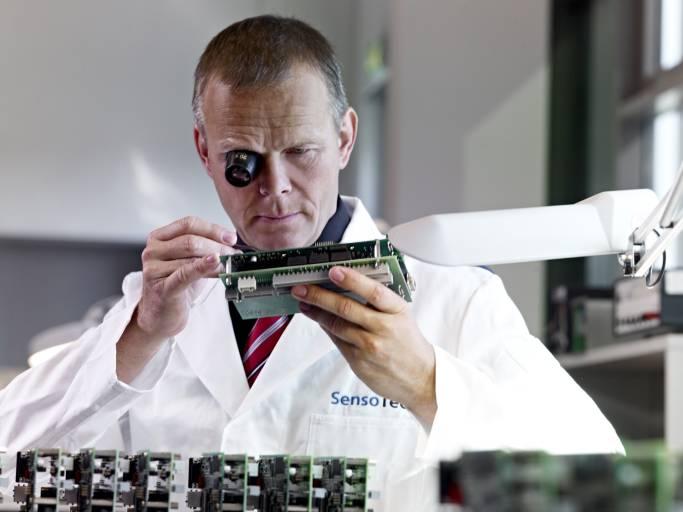 Die SensoTech GmbH feiert 25. Jubiläum und hat sich zum Spezialisten für Konzentrationsmessungen, Phasentrennungen und Reaktionsverfolgungen in Prozessflüssigkeiten entwickelt.
