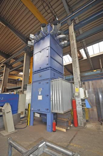 Die raumlufttechnische Absaug- und Filteranlage AIRTECH in der Produktionshalle bei Peters Stahlbau gehört zu den so genannten Stand-Alone-Systemen.