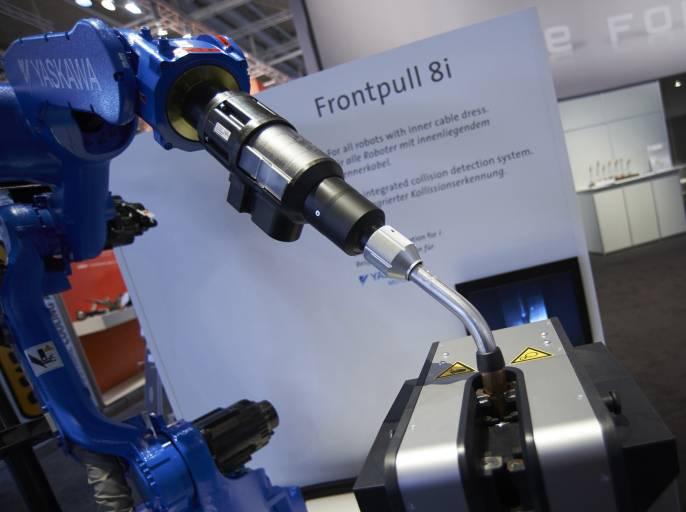 Frontpull 8i, der neue Brenner mit prozessnaher Drahtförderung und integrierter Kollisionserkennung für Prozessarmroboter.